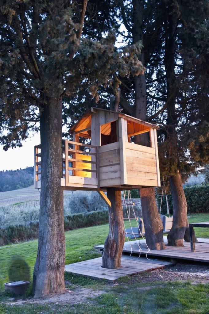 construieste-o-casa-in-copac-pentru-copilu-tau-24-idei-magice-14